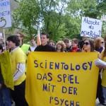 Demo gegen die Scientology-Organisation am 29. Mai